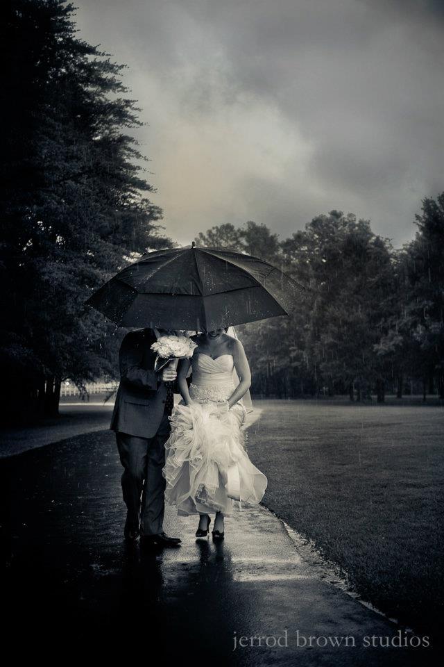 Rainy Day Wedding by Jerrod Brown Studios as seen in Alabama Weddings Magazine.