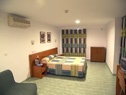 Habitaciones familiares, más amplias para poder poner hasta 3 camas supletorias. Perfectas para familias con niños.