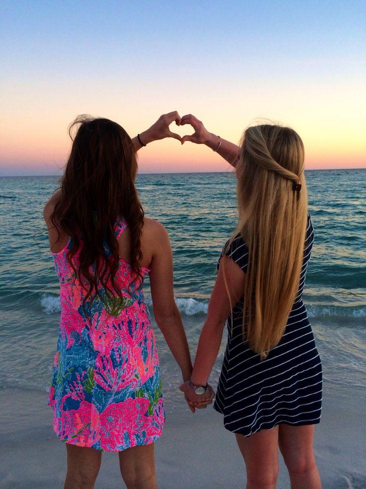 every brunette needs a blonde best friends<3