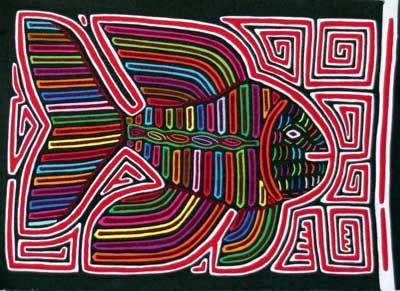 Mola con representacion de fauna (pez) y laberinto