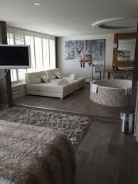 Afbeeldingsresultaat voor luxe hotelkamers met jacuzzi