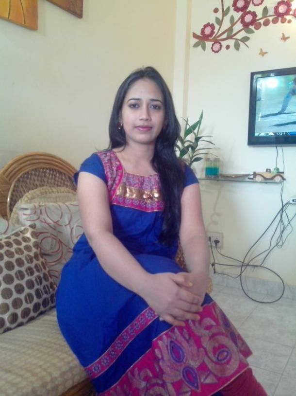 Very Fair And White Aunties Bhabhi From North Indian Gaand