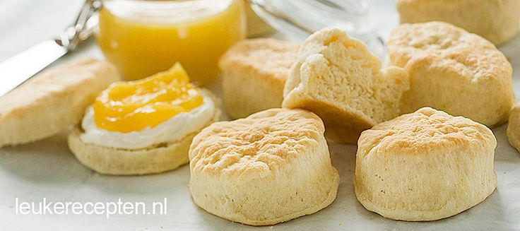 Zachte Engelse broodjes die niet mogen ontbreken bij het ontbijt of de high tea