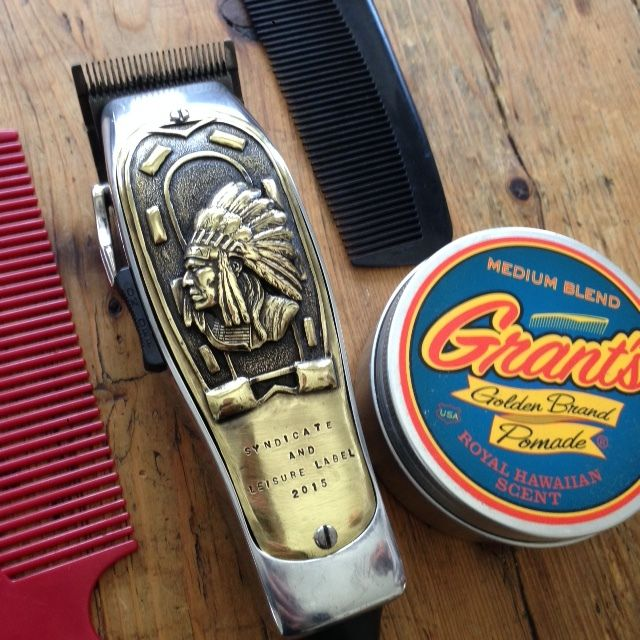 THE LEISURE LABEL AND SYNDICATE BARBER SHOPSHAND CAST MASTER CLIPPER COVER IN BRASS. (LIMITED RELEASE)