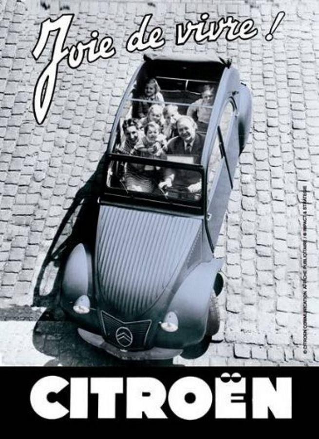 Citroën 2 CV - Joie de vivre : Plaque décorative rétro en métal représentant uneCitroën 2 CV. Idéal pour créer une déco dans l'ambiance vintagemécanique dans un garage, une concession automobile ou un atelier de réparation.