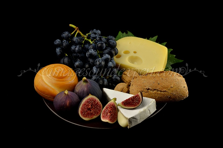 Fotografie produs - fructe de toamna / Product Photo - fruit of autumn / Product Photo - Obst im Herbst / Photo du produit - fruit de l'automne  (struguri, cascaval, branza cu mucegai albastru, grapes, blue cheese, trauben,   blauschimmelkase, raisin, fromage bleu)