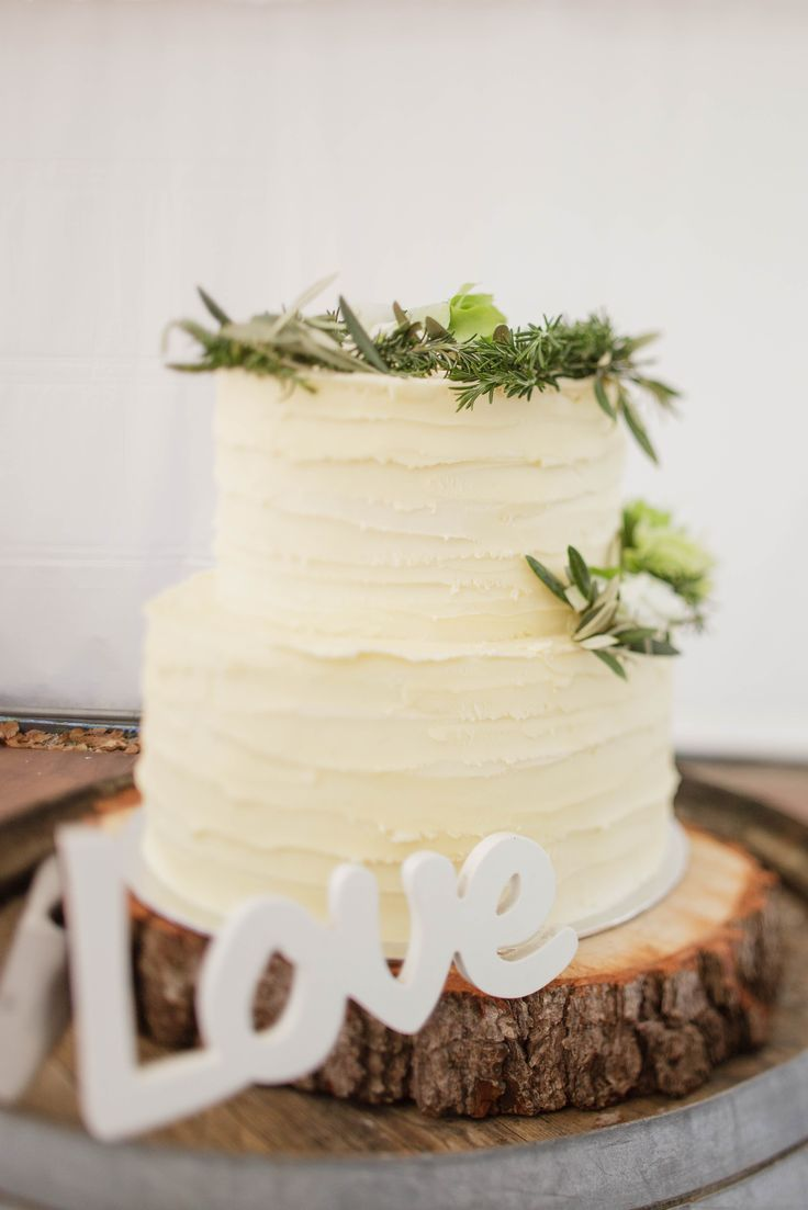 Christy and Rhys's Rustic Tuscan Wedding Cake. Styled by On My Hand. Photograph by Quinn and Katie Photography www.qophotography.co.nz. Cake by www.nonascakes.co.nz xo