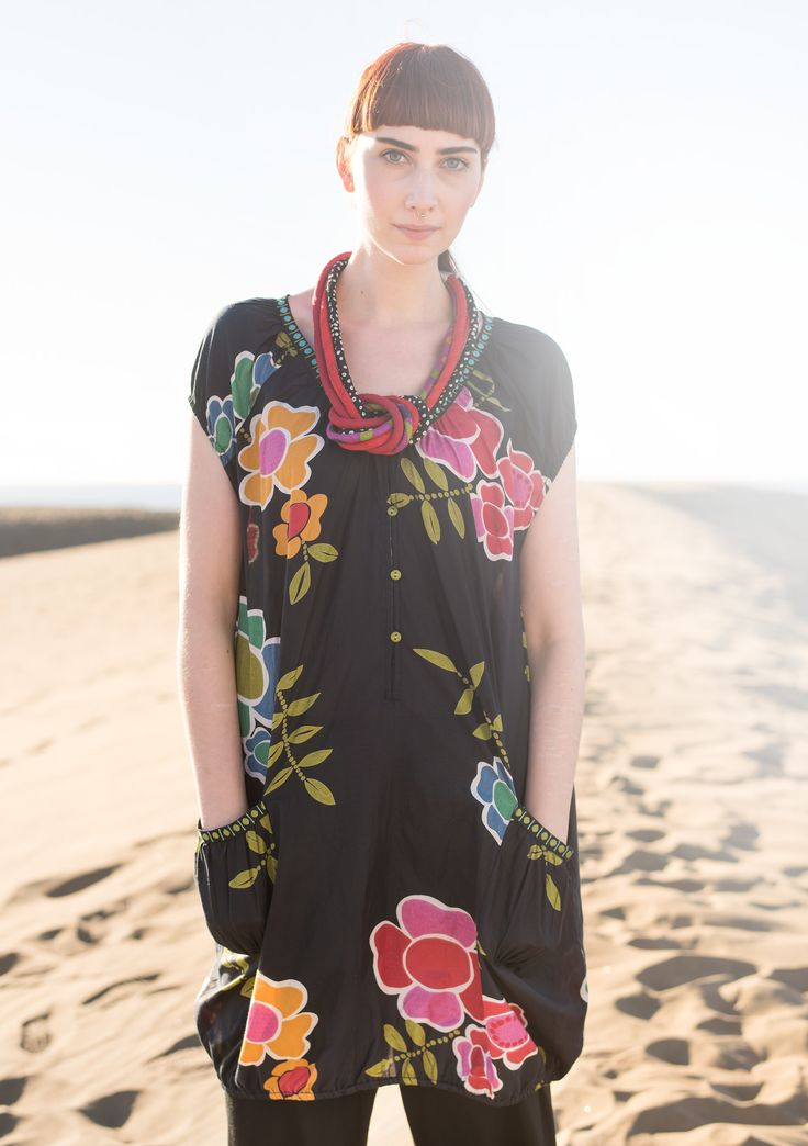 """""""Florencia"""" cotton/silk tunic – {{p_2015_mayextra_passionateroses_title}} – GUDRUN SJÖDÉN – Webshop, mail order and boutiques   Colourful clothes and home textiles in natural materials."""