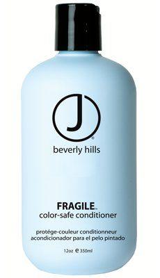 J Beverly Hills Fragile Conditioner.  Dieser parabenfreie Fragile Conditioner, mit pflanzlichen Extrakten angereichert, bildet eine Nährstoffquelle für gefärbtes und chemisch behandeltes Haar. Diese tägliche Pflege schliesst die Schuppenschicht und versiegelt die Farbe im Haar.