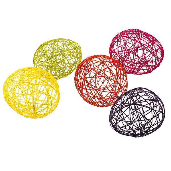Paverpolin ja paperinarun avulla valmistetut munat.