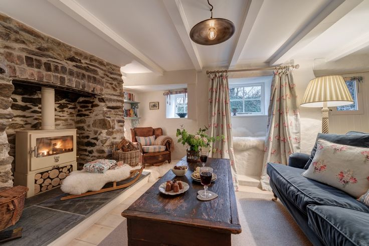 Sweetpea Cottage, luxury self-catering cottage close to Crantock Beach in Cornwall
