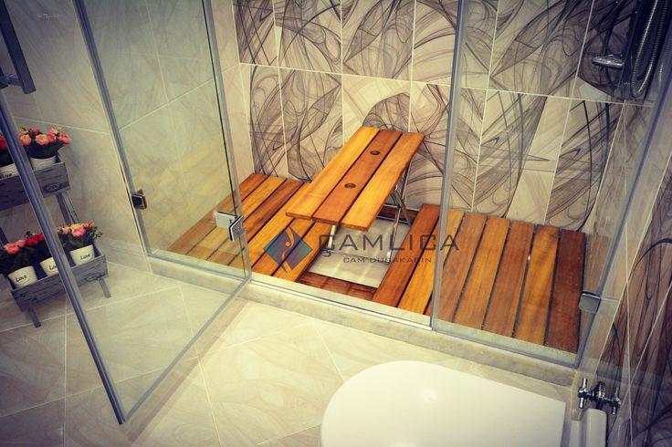 Paslanmaz çelik mekanizmasıyla ister düzayak ister tabure olarak kullanabileceğiniz ahşap duş içi ızgarası.
