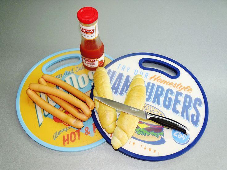 Kuchyňské krájecí desky využijete při přípravě hot-dogů, hamburgerů a jiných grilovaných specialit. Užijte si grilování s krásnými doplňky.