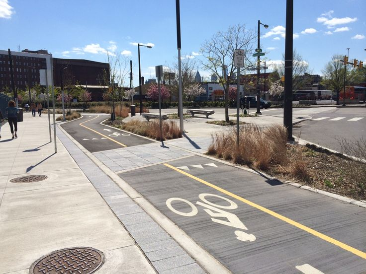 The US Department of Transportation Has Recognized the Protected Bike Lane, Here's Why That Matters | This Old City