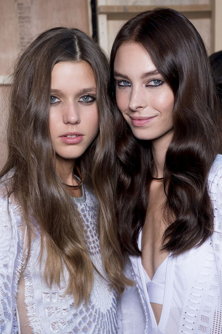 Beachy boho waves Hair Color Trends 2016 Bronde Brunette London Fashion Week ISSA SS16 Vidal Sassoon Shade 5/1 Medium Cool Brown