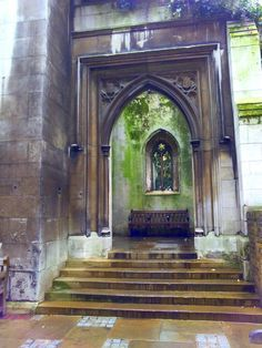 St Dunstan in the East + 9 other London secrets - A Journey Away