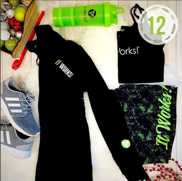 We are obsessed with how easy and pair-able our #BlackGreenBling is. From reversible leggings to layering tanks and more, you are SURE to find something you'll love from head to toe in the It Works! Store ! Drop us a  if you found something just your style in our apparel and accessories!