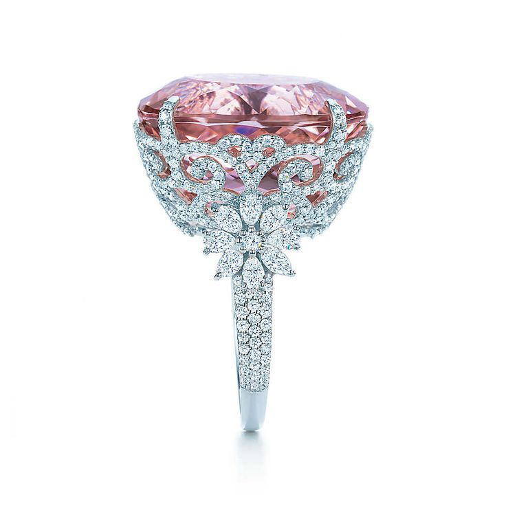 Blue Book: Kunzite Ring in platinum with diamonds and a 25.29-karat oval kunzite -  Tiffany & Co.