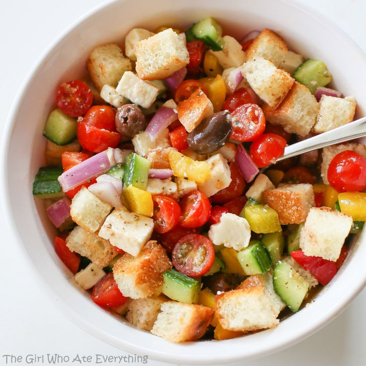 Greek Panzanella Salad | The Girl Who Ate Everything Can't wait to ...