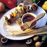 Grønsagsspyd - Opskrifter    http://www.dansukker.dk/dk/opskrifter/groensagsspyd.aspx  #dansukker #vegetar #sommer #grill #opskrift #grøntsager