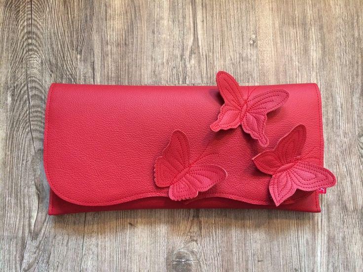 Süß! Clutch rot mit Schmetterlingen von Liesken auf DaWanda.com Noch mehr Taschen gibt es auf www.mamastolz.de