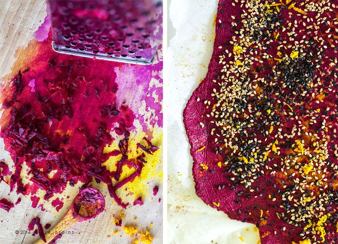 Beet & seed crackers (gluten-free)