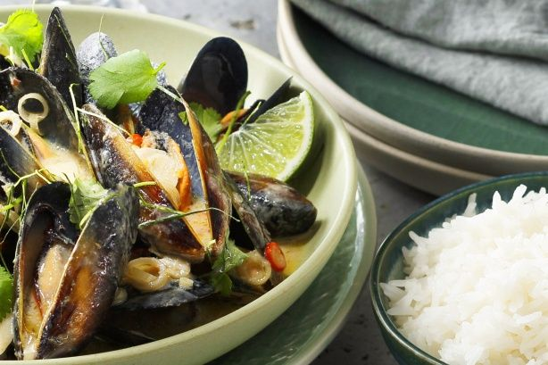 This sensational lemongrass & chilli mussels in a fragrant coconut broth from MasterChef All Stars contestant Dani Venn is absolutely delicious.