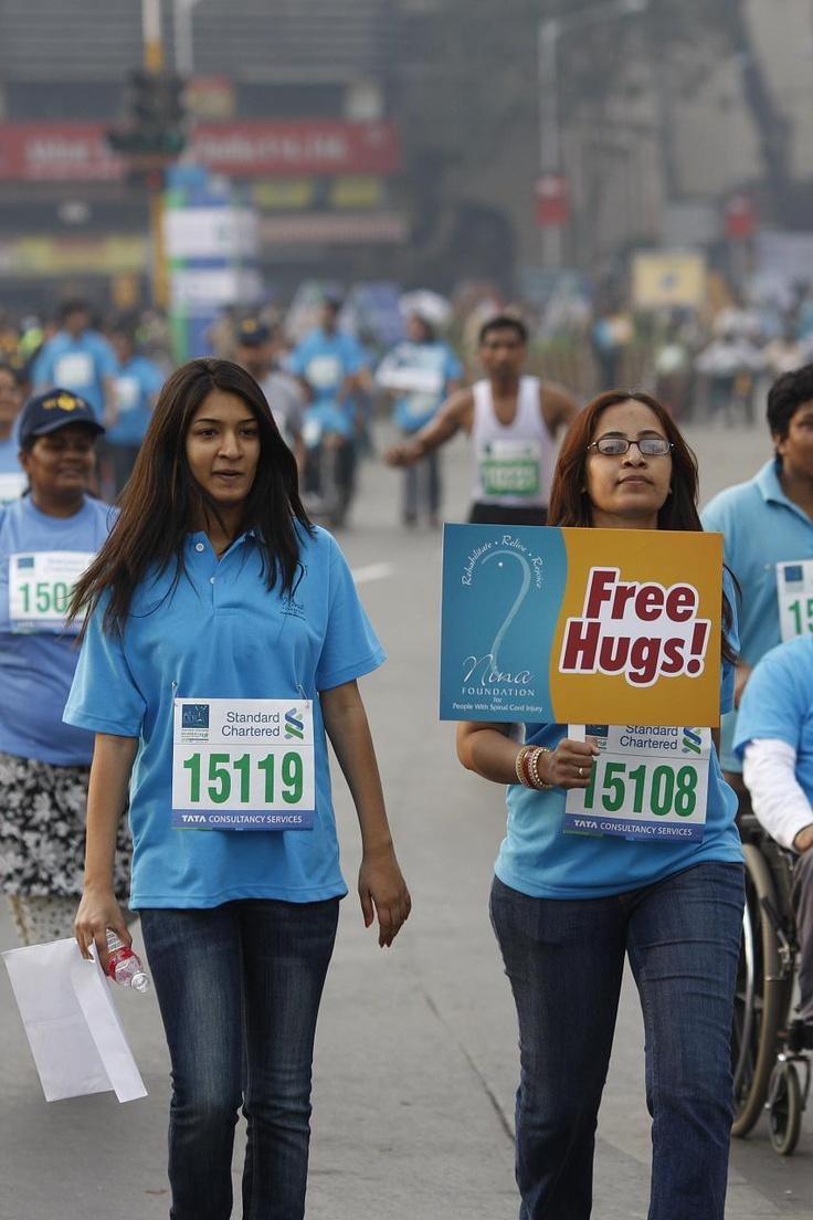 Free hug campaign in #mumbaiFree Hug, Mumbai Things To Do, Longer Activities, Hug Campaigns