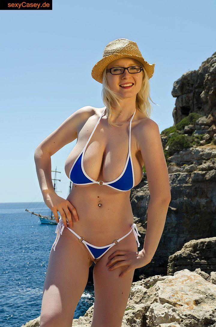 Casey deluxe mallorca 2014 im saxini bikini 3
