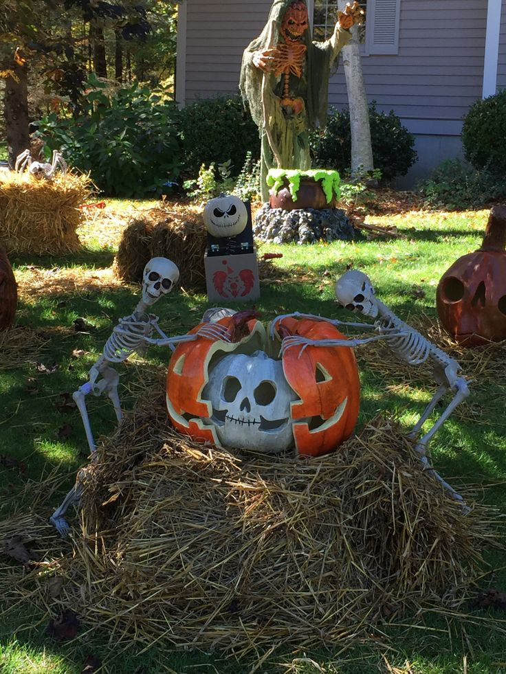 183 best Halloween Yard Decorations images on Pinterest Halloween - halloween decorations for the yard