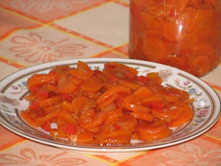 Przepis na sałatka z marchewki i czerwonej papryki. Marchew ugotować w skórce i…