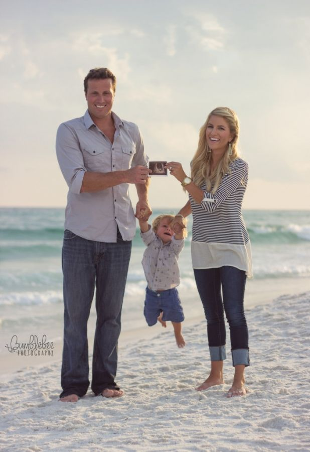Pregnancy Announcement - Beach Photography - Destin, FL - Bumblebee Photography