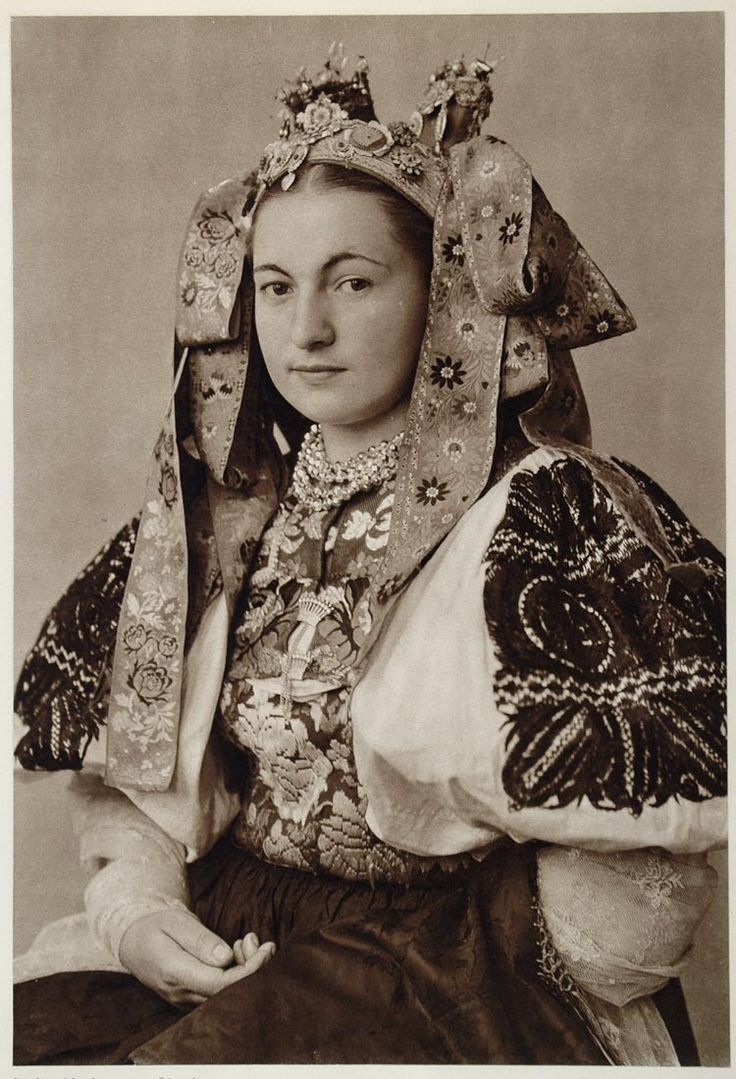 yingce:  Beautiful bridal costume of Ocova, Slovakia 1953.