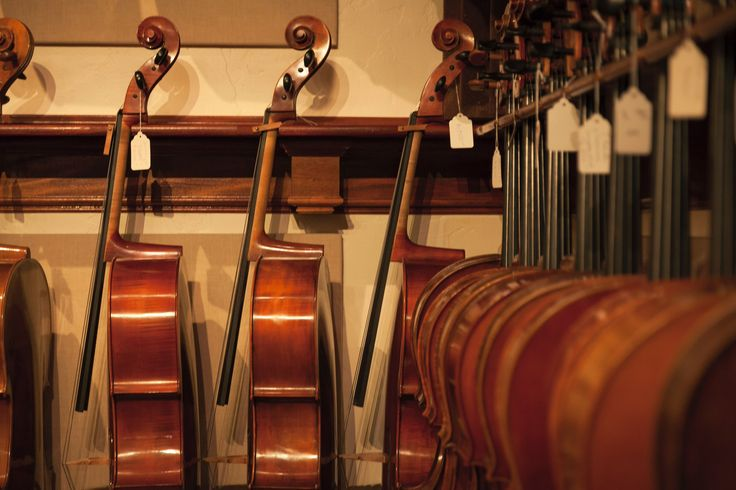 We offer a wide selection of older, fine master-crafted cellos as well as cellos made by renowned modern makers. #cellos #cellists #BenningViolins #finecellos #instruments #Music
