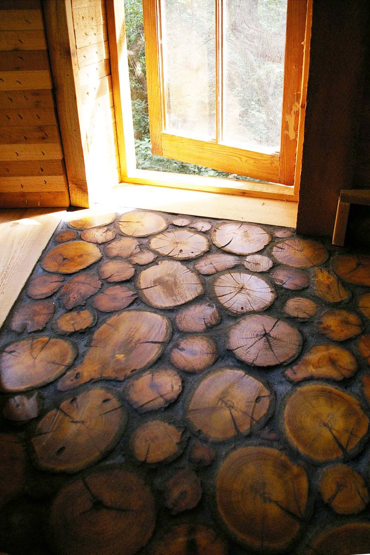 Floor made from tree slices by Dan Phillips of Phoenix Commotion