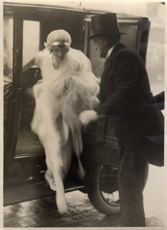 1920's wedding fashion - Bride Winifred Radford with her father, singer Robert Radford - April 1920 - National Portrait Gallery, London
