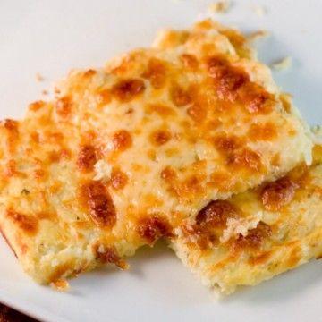 Blomkålsbröd (pizzabotten) LCHF - Recept - Tasteline.com