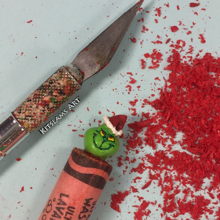 https://flic.kr/p/PjPqCH | The Grinch Crayon Carving | It's my carving of The Grinch on the tip of a Crayola crayon. Watch the Timelapse: youtu.be/GqnbLoxVETw