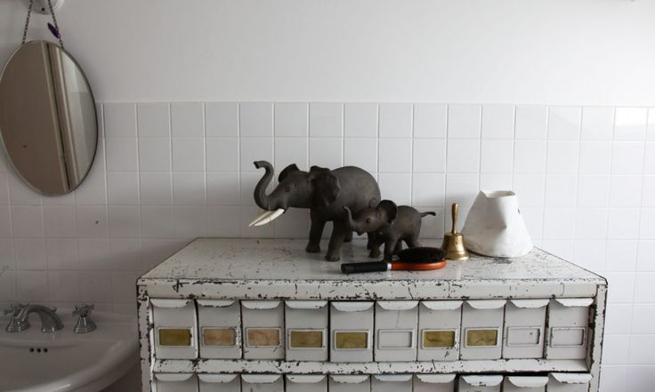 Meuble aux tiroirs industriel - par The Socialite Family