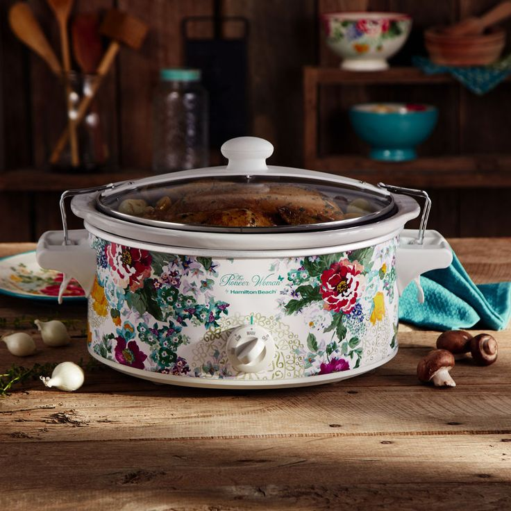 Bring The Pioneer Woman's cheerful and charming style to your countertop with this six-quart slow cooker. Wrapped in the Country Garden design, this slow cooker is perfect for making everything from spicy short ribs to sweet blueberry cobbler. | eBay!