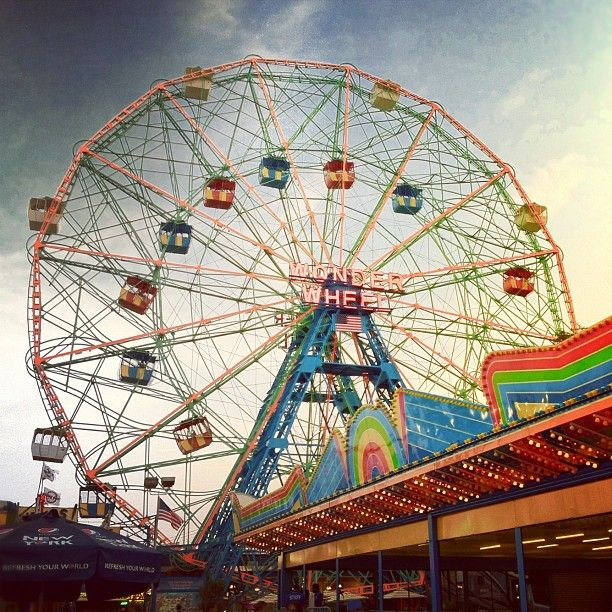 You guys, did you see we're having an end of summer Phoneography Challengewith the fine folks over at Brit & Co?  You could win a Cell Phone Lens Kit!  Win a Cell Phone Lens Kit!  PS-The beauty above was shot by our very own@Amit Gupta at Coney Island.: Free Wheels, Colors, Cell Phones, Summer Phoneographi, Phoneographi Challenges With, Guys, Coney Islands, Phones Lens
