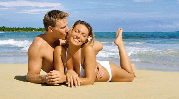 Den ultimata Lyx-resan till Dominikanska Republiken & Punta Cana – Secrets Royal Beach Resort & Spa (***** – Adults Only Hotell – inga barn under 18 år är tillåtna). Måltidsform All Inclusive Basis. Njut av en komfort, service och lyx andra hotell bara pratar om. Denna resorten är ett mycket bra alternativ för en Honeymoonresa eller Jubilarresa eller en komplett Honeymoon- & vigselresa på en och samma resa!
