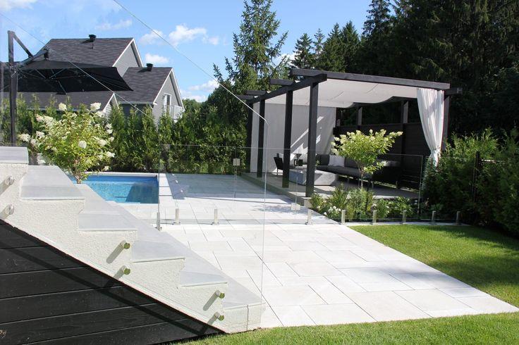 Les 25 meilleures id es de la cat gorie piscine creus e for La finition d une maison