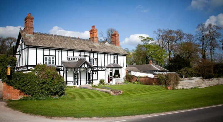 Donington Park Farmhouse Hotel Derby Exclusively located next to Donington Park Race Circuit, Donington Park Farmhouse Hotel offers free Wi-Fi and free private parking. It has a countryside setting, but is within only 5 minutes' drive of East Midlands Airport, the M1, A50 and A42.