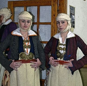 FEMALE TRADITIONAL COSTUMES 2