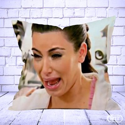 KIM KARDASHIAN CRYING FACE Pillow Cases