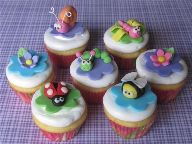 cute bugs cupcakes