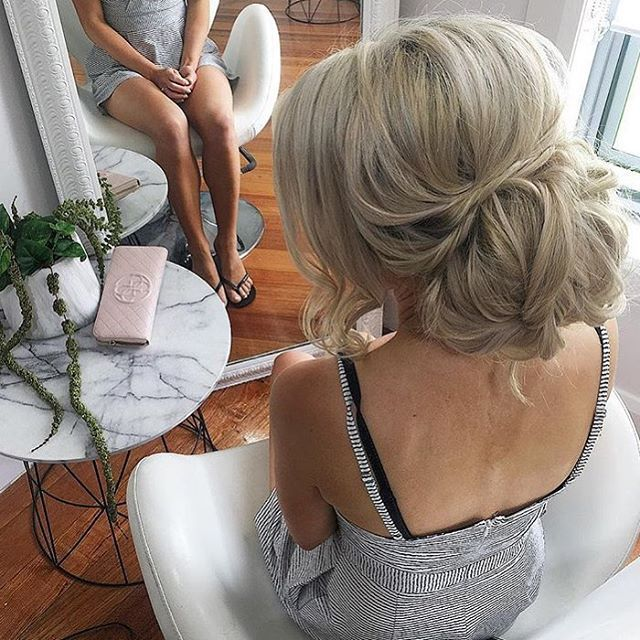 Bridal Hair INSPO by @ellasbridalhair 💜 #hairinspo #bridalhair #princess #dressesafterdark #bridetobe #bridezilla #weddingday #wedding #weddings #bride #bride2be #bridalblogger #allthingsbridal #gettingmarried #bridal #style #fashion #events #weddingplanner #love #veil #bridalmakeup #dubai #follow #wbyt #weddingsbyyourstruly #sydney  #weddingdress #dreamwedding4u