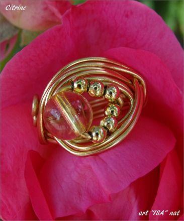 Bague perle ronde semi- précieuse CitrIne fil aluminium  et perles doré