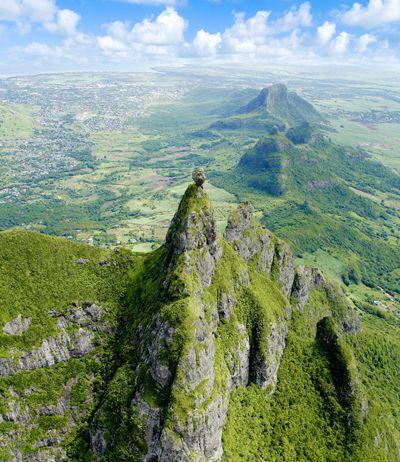Pieter Both, montagne de 820m, et la source de la rivière du Tombeau, Ripailles, chaine de Moka - Maurice